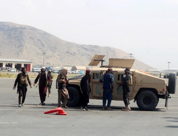 Pripadnici talibanskog Bedri 313 bataljona na aerodromu u Kabulu