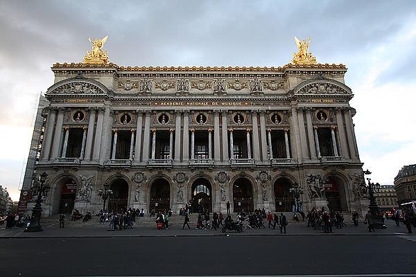 【巴黎自由行】芭蕾舞劇初體驗。迦尼葉歌劇院