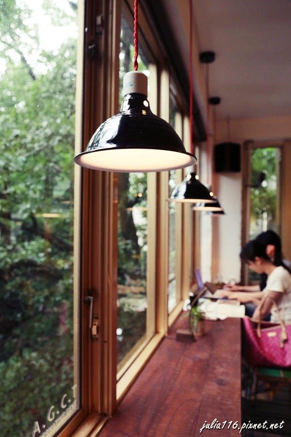 【AGCT apartment】大安區。結合服飾與咖啡的複合式空間~有好吃烘蛋與藍莓mocktail♥