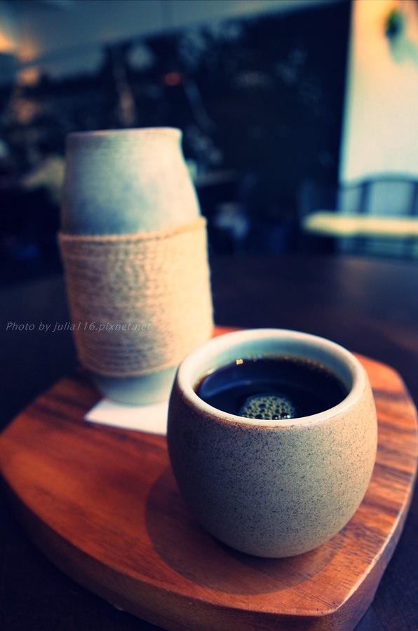 【Caffè Le MANI.琢手咖啡】內湖區。用心製作只為一碗黑湯,大愛新聚點❤(捷運葫洲站/民權隧道)