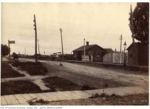 1898 Dufferin St railway crossing south of Springhurst.  Picture courtesy of Parkdale village BIA and City of Toronto.