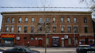 Cowan Ave (120)