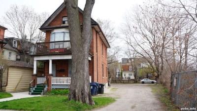 Cowan Ave (193)