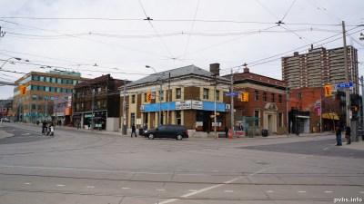 King St W (100)