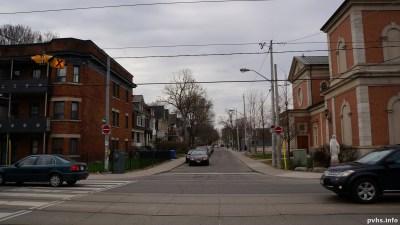 King St W (187)
