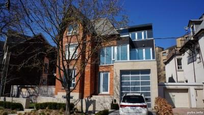 Springhurst Ave (130)