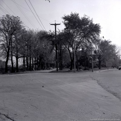 1957 Empress Crescent, looking e. from Dowling Ave. & Lakeshore Blvd._tn