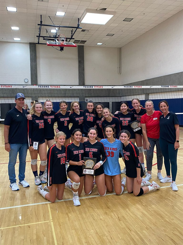 PV Girls' Volleyball takes 1st place in Gold division of the 2021 Orange County El Tesoro Varsity Championship Tournament!