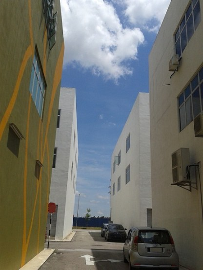 narrow street 3