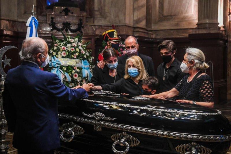 Resultado de imagen para Carlos Menem es velado en el Congreso