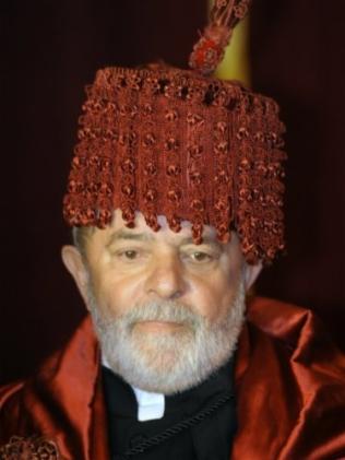 Lula condecorado