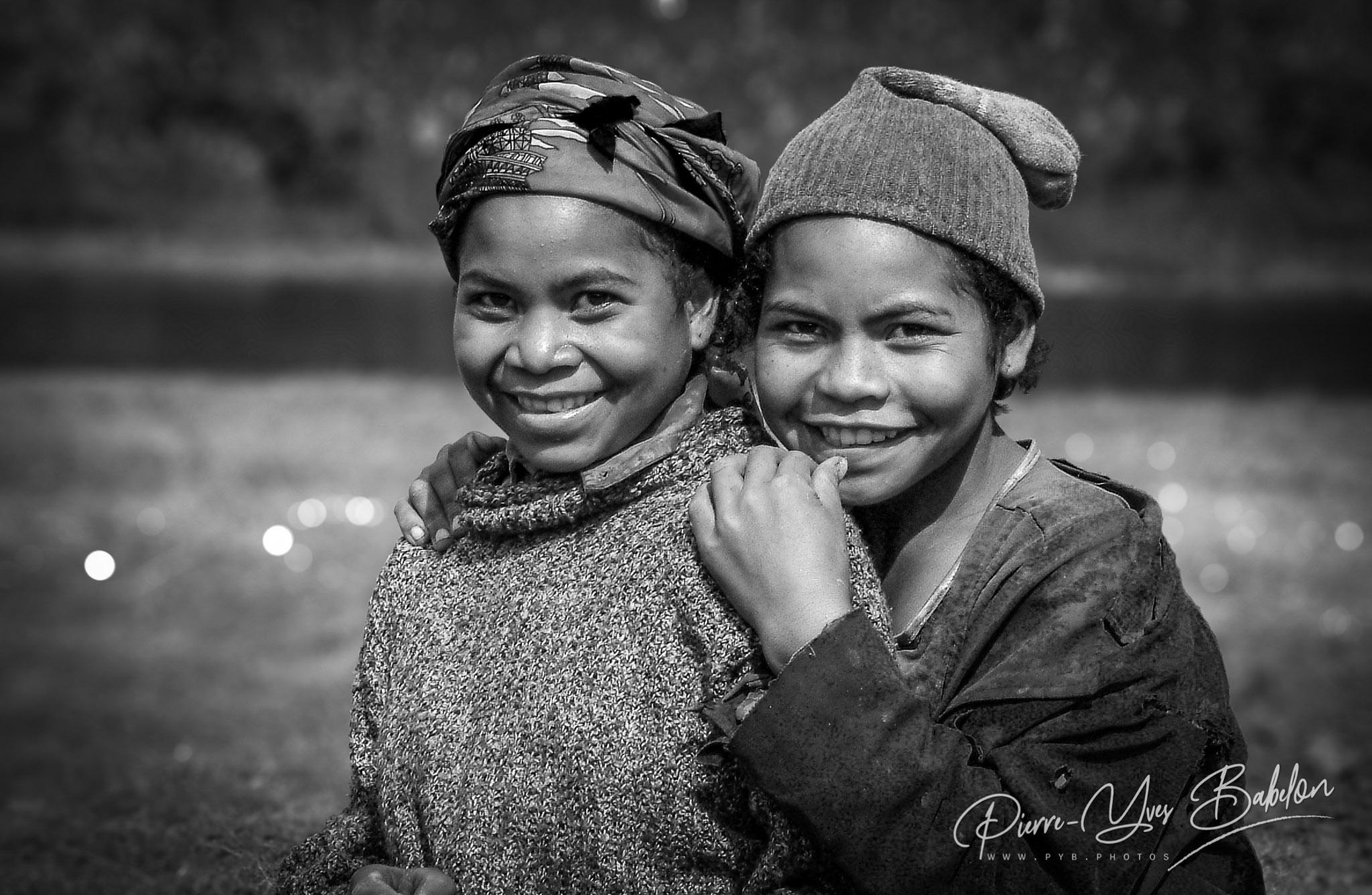 Enfants Betsileo près de Fianarantsoa, Madagascar.