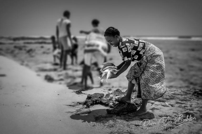 Retour de pêche à Lavanono, Madagascar.