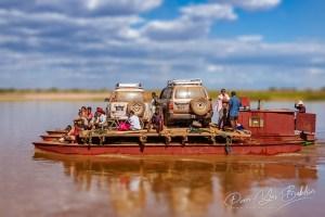 Bac sur le fleuve Tsiribihina, Madagascar