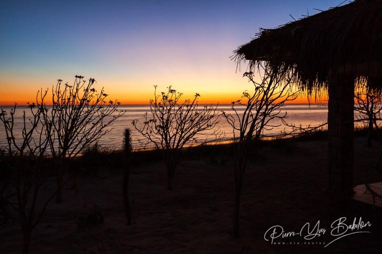 Bungalow au coucher du soleil