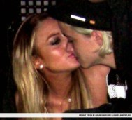 Lindsay Lohan Samantha Ronson Lesbian Kiss Picture[4]