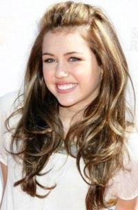 Miley-Cyrus-enjoys-romance-