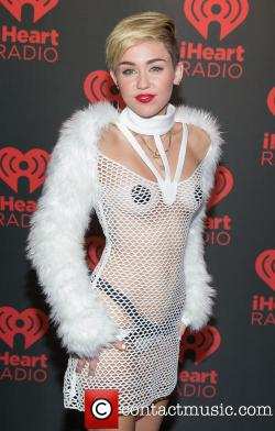 miley-cyrus-iheartradio-music-festival-nude-outfit