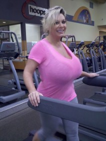 Claudia Marie at the gym