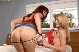 Desi & Elli Foxx mom and daughter porn incest