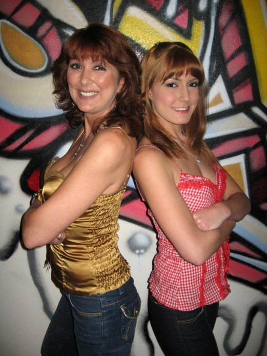 Desi & Elli Foxx mom and daughter porn