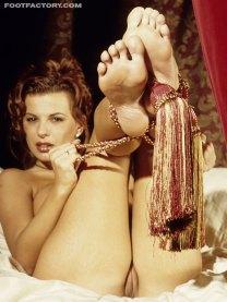 Alexandra Nice feet soles pose 12