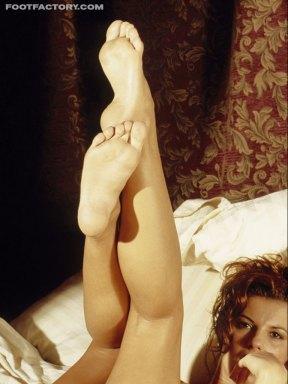 Alexandra Nice feet soles pose 14