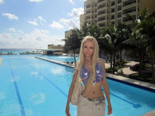 Barbie Russian Valeria Lukyanova 21 years old Valeria-Lukyanova-4