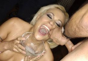 Cindy Crawford facial cumshot gokkun swallowing