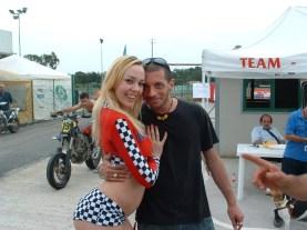 GGG Annette Schwarz with a fan