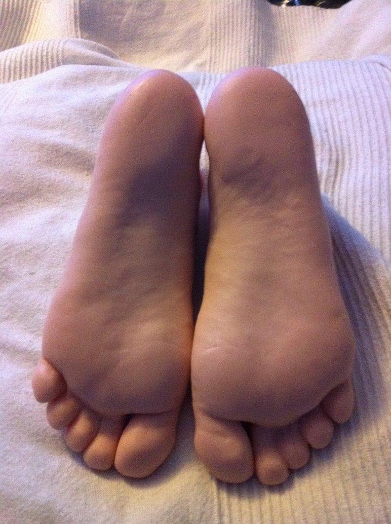 Lesbian foot worship party 6
