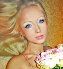 she appears to be the most convincing real-life Barbie in the whole world valeria-lukyanova-world-s-most-convincing-real-life-barbie-girl-photos