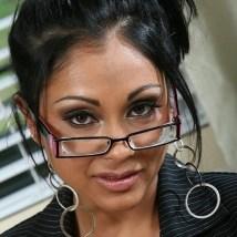 PriyaRai-Asian-glasses