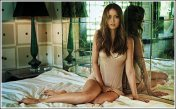 summer_glau_feet_image-1310222497