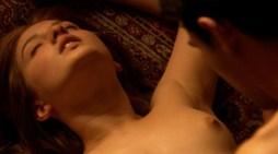 Maria Valverde Melissa P nude porn masturbation 7