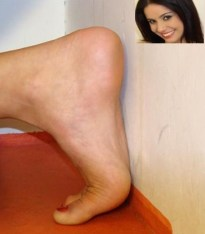 Monica-Mattos-Feet-324903