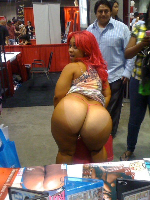 Pinky porn star hip hop 3-pinky-at-erotica-la