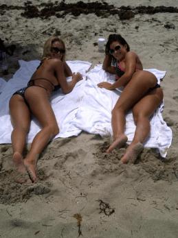 Brooke Tessmacher beach babes