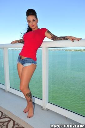 Christy-Mack-Feet-856851