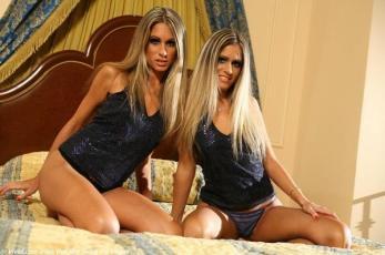 love twins _f274dedcba3dbcd65261cfb829396b20