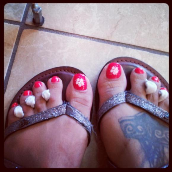 Jasmin-St_-Claire-Feet-tattoo-08