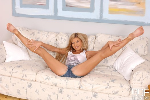 Victoria-Tiffani-Feet-2053437
