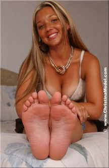 Christina-Lucci-Feet-1993389