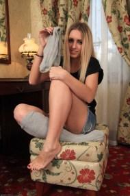 Jessi Gold Bess Jenny feet