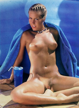 candi-evans-cool-dip-for-a-hot-star-hustler-february-1987-5
