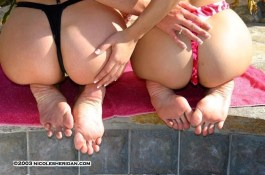 nicole_sheridan_feet_at_left