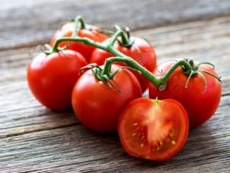 descubre los beneficios del tomate