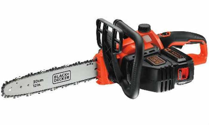 The Black + Decker GKC3630L20 Cordless Chainsaw is probably one of the best cordless chainsaws we have ever reviewed. So what makes it stand out from the rest?  When you pick it up for the first time, you immediately feel how surprisingly light weight and well balanced it is, quality wise, its a well-built peace of kit.