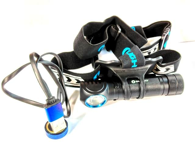H2R NOVA whats included - It comes with the torch, head strap and usb charging cable. Super simple