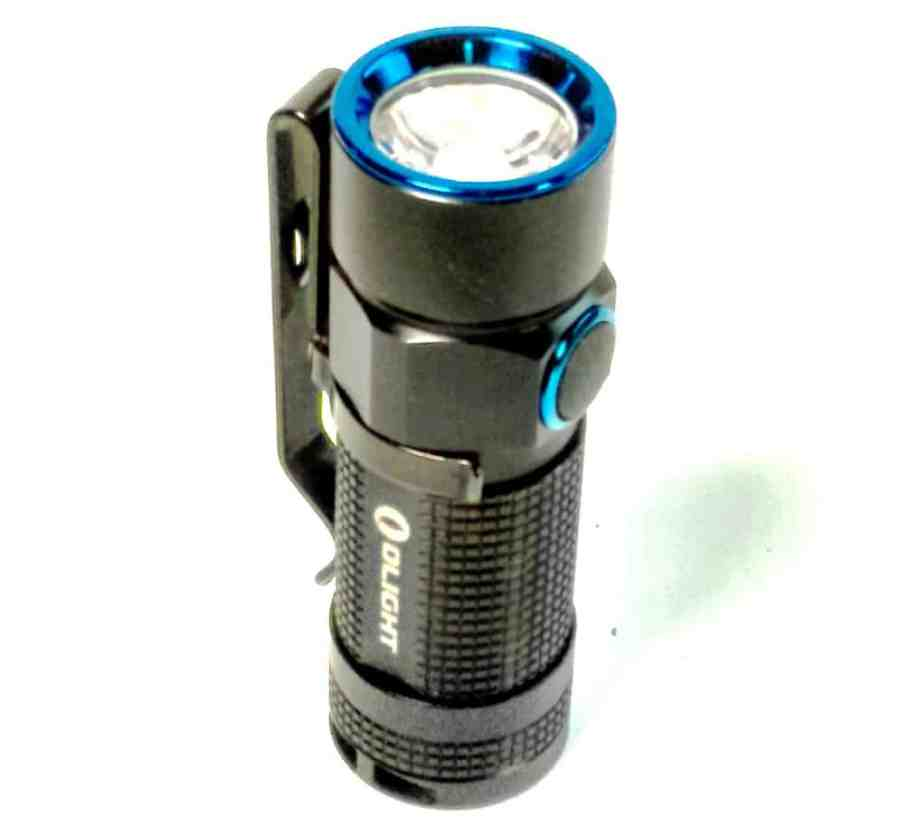 A pocket clip is an important feature of a EDC torch and this one comes with a removable sturdy stainless steel clip. The clip comes in handy when hands-free working is a priority or when you simply need to keep the device within arms reach. It can be hung on a belt, backpack, pocket and literally anywhere the clip can hook onto.